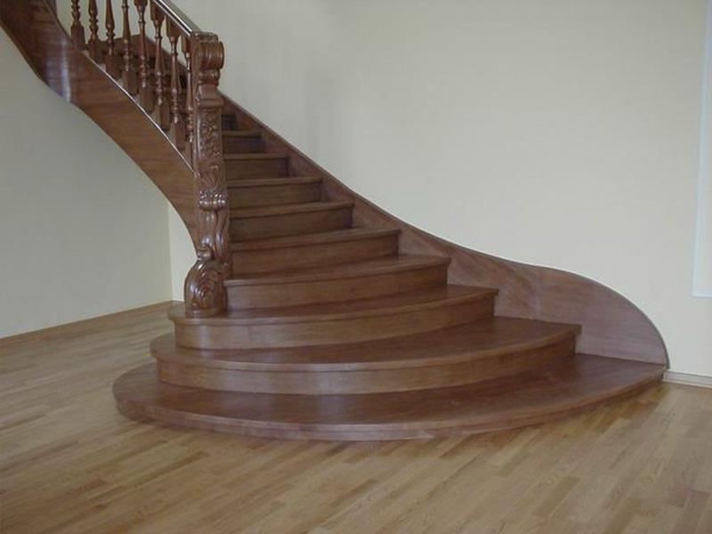 Деревянная лестница под ключ D 1004