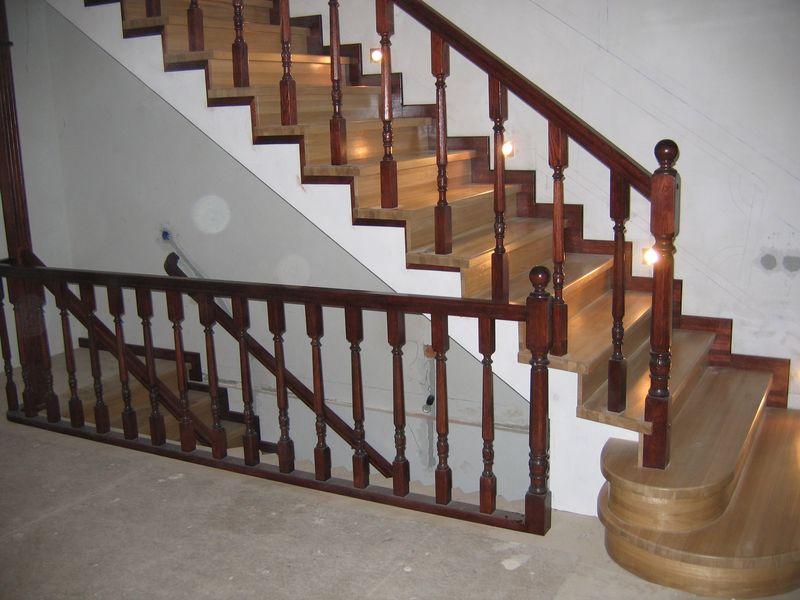 Деревянная лестница под ключ D 1005