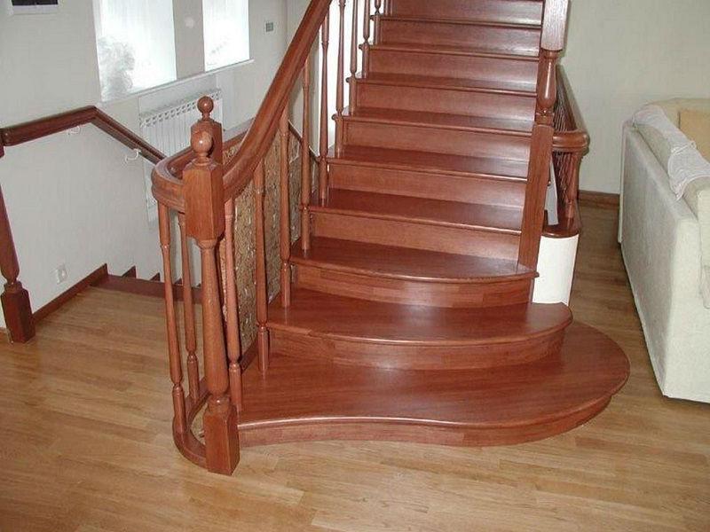 Деревянная лестница под ключ D 1008
