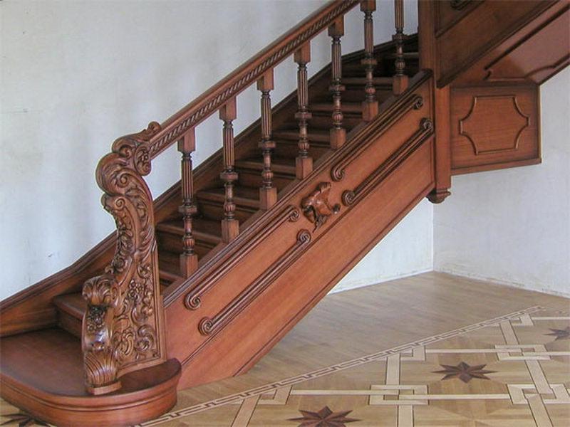 Деревянная лестница под ключ D 1009