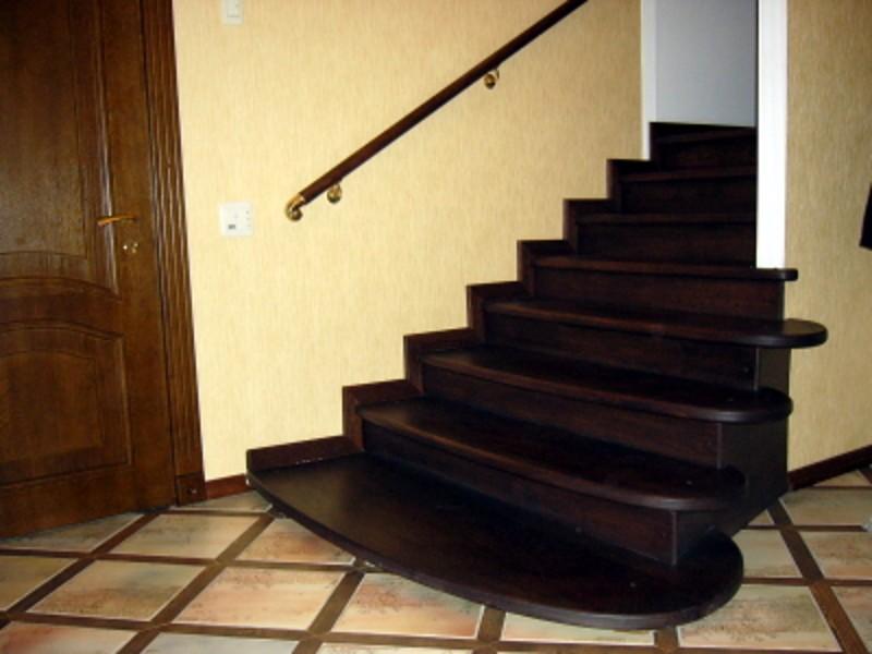 Деревянная лестница под ключ D 1012