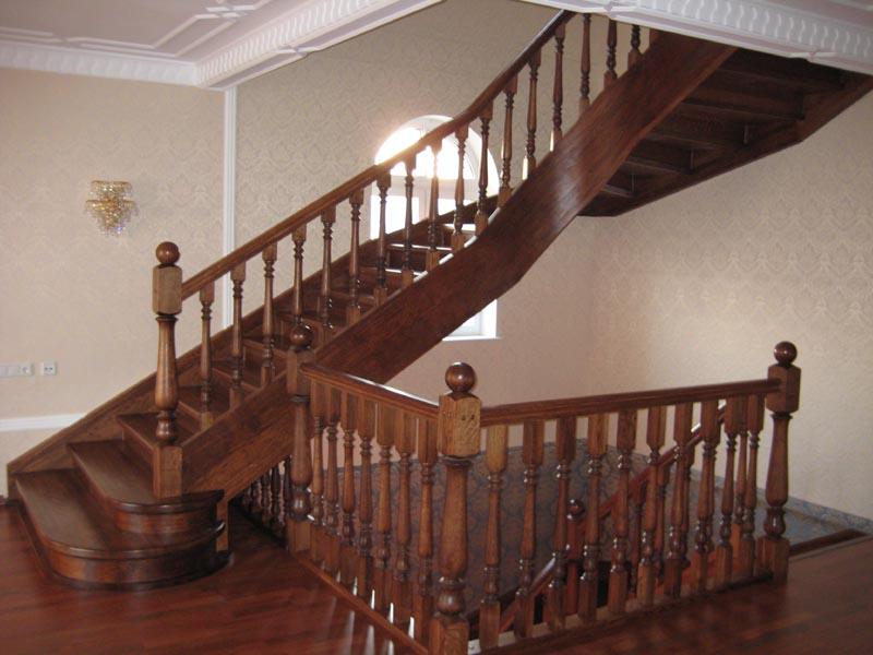Деревянная лестница под ключ D 1013