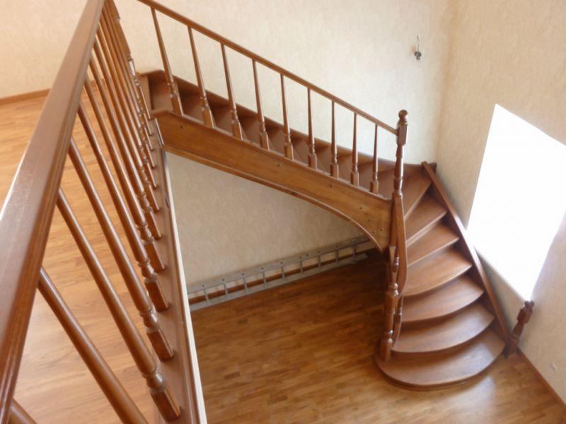 Деревянная лестница под ключ D 1015