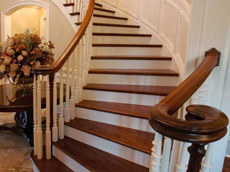 Деревянная лестница под ключ D 1018