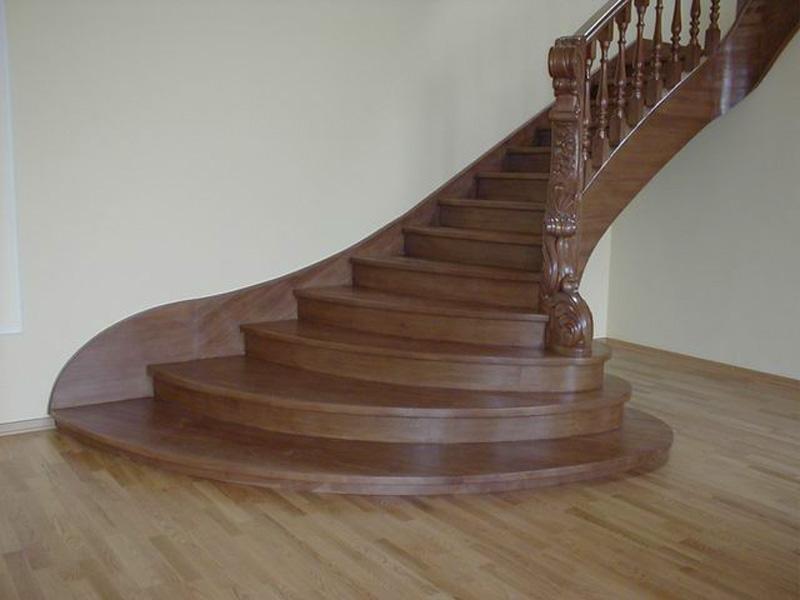 Деревянная лестница под ключ D 1021