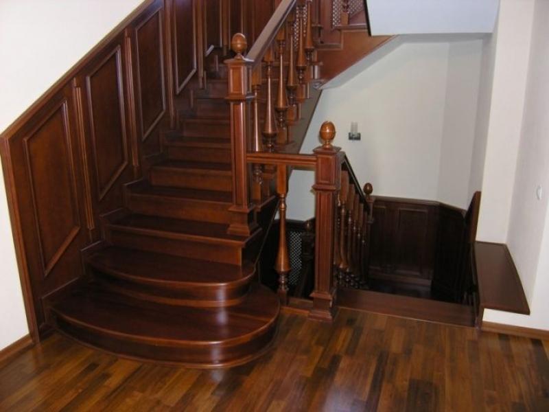 Деревянная лестница под ключ D 1022