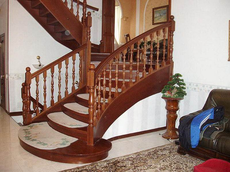 Деревянная лестница под ключ D 1023