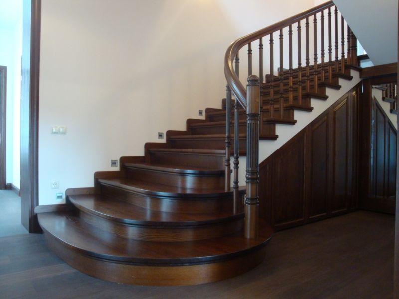 Деревянная лестница под ключ D 1024