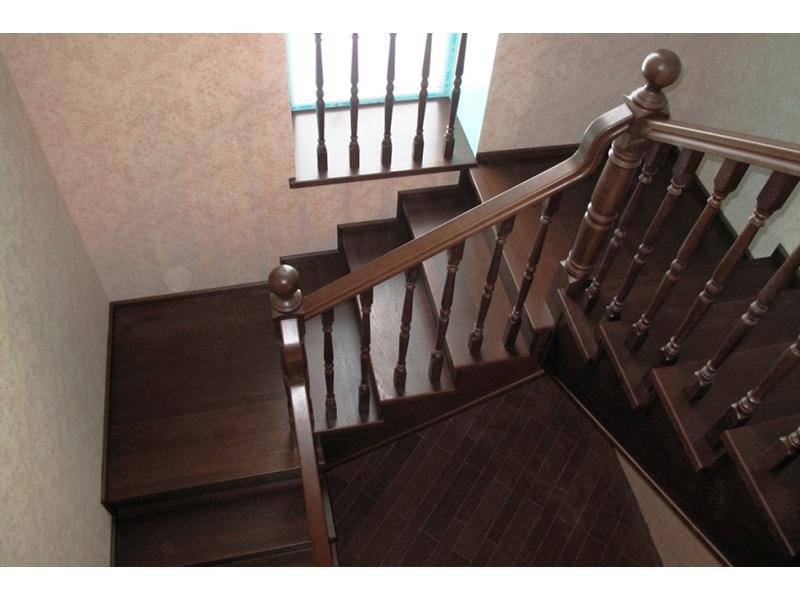 Деревянная лестница под ключ D 1025