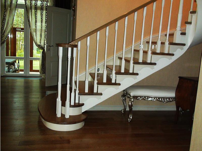 Деревянная лестница под ключ D 1028