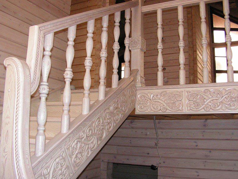 Деревянная лестница под ключ D 1030