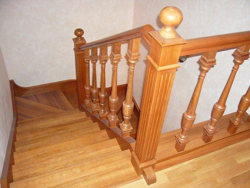 Деревянная лестница под ключ D 1033