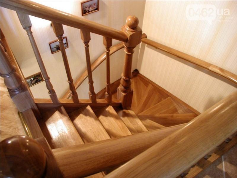Деревянная лестница под ключ D 1037