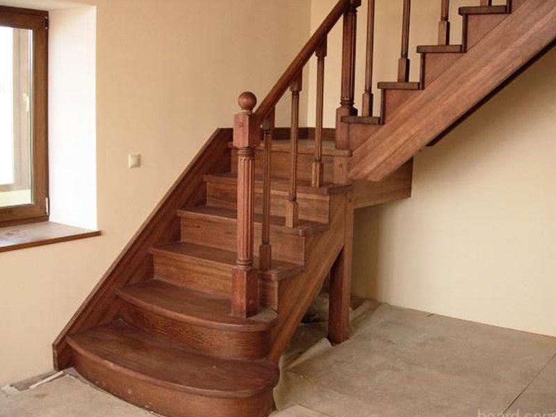 Деревянная лестница под ключ D 1039