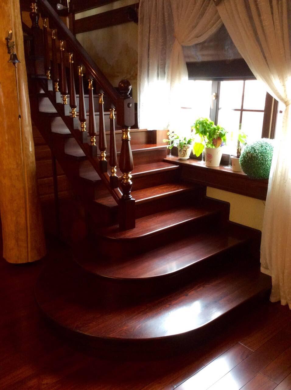 Деревянная лестница под ключ D 1040