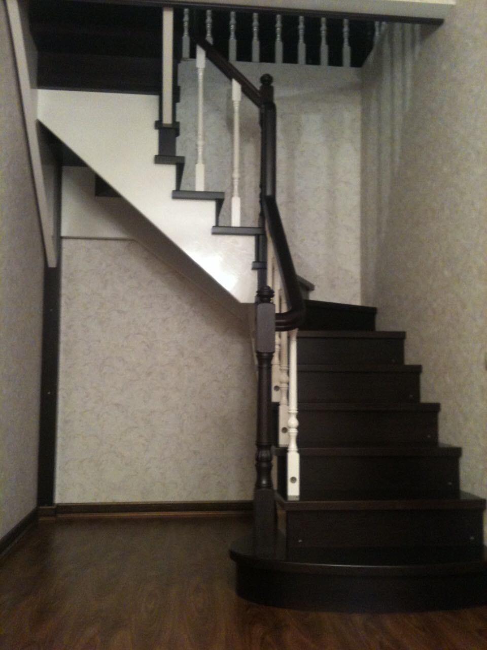 Деревянная лестница под ключ D 1046