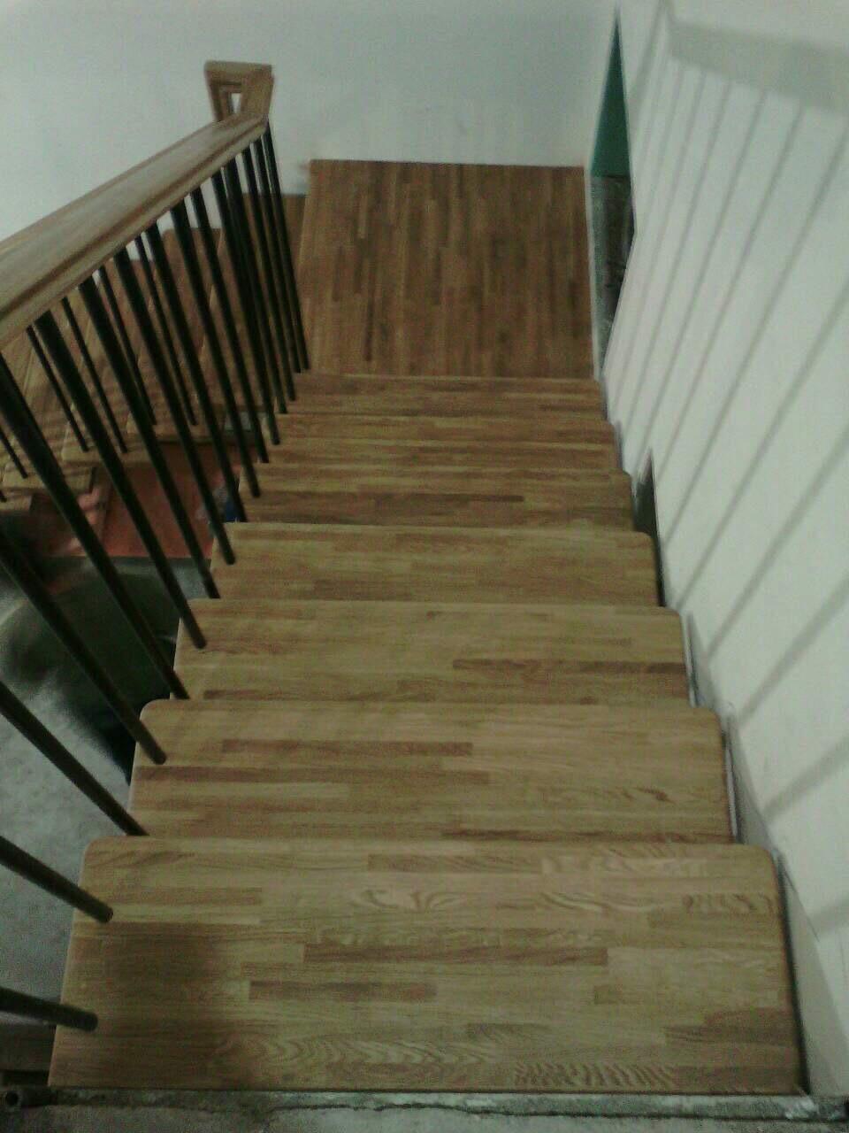 Деревянная лестница под ключ D 1049