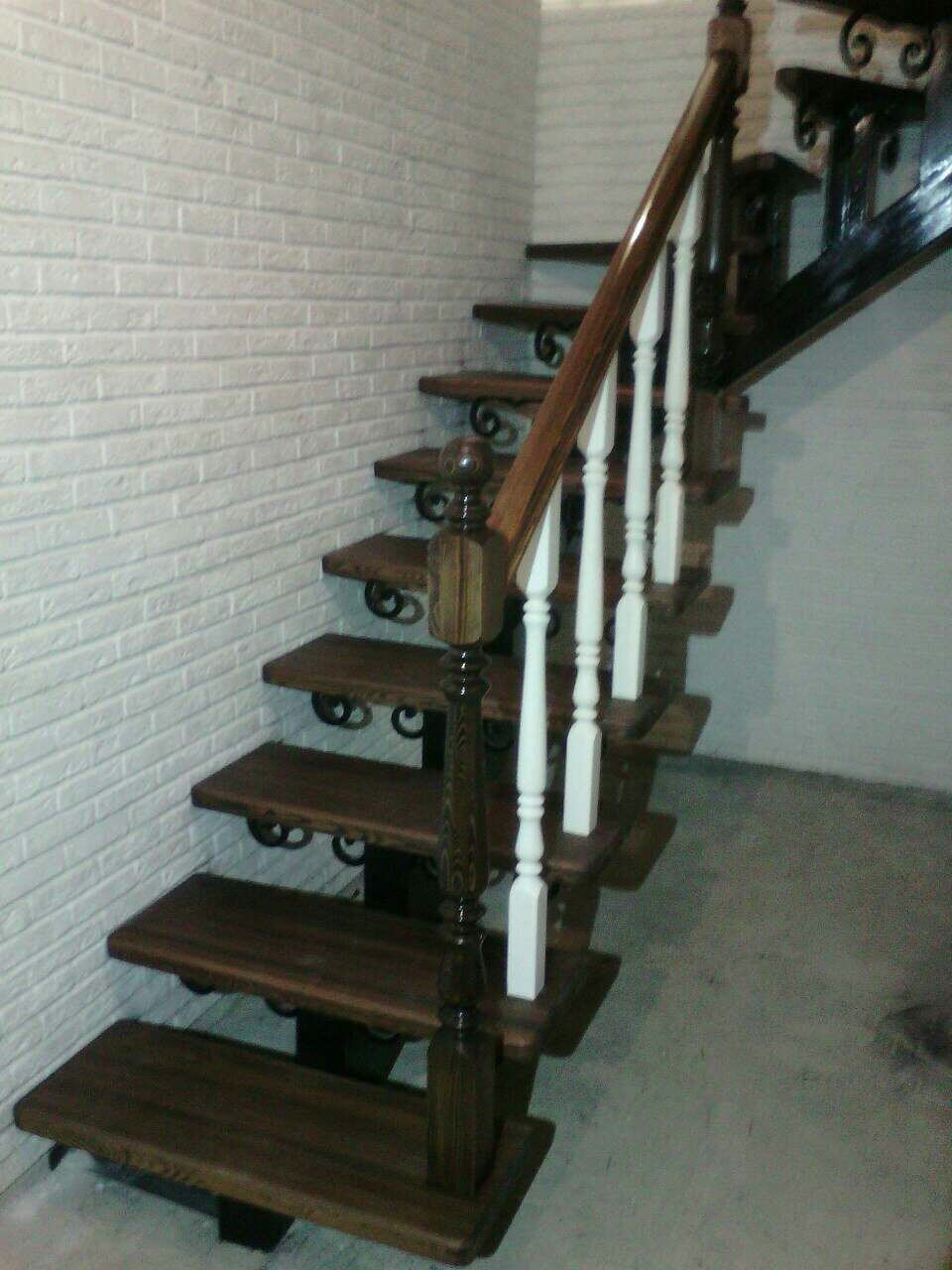 Деревянная лестница под ключ D 1050