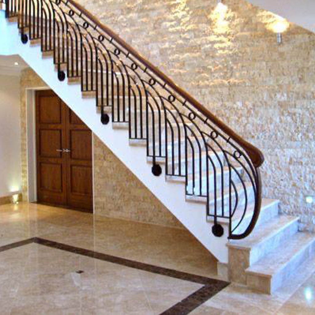 Каменные лестницы под ключ L-1005