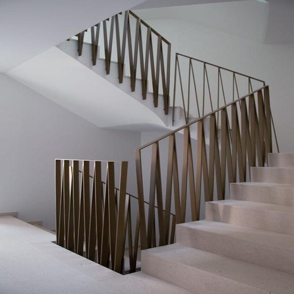 Каменные лестницы под ключ L-1008