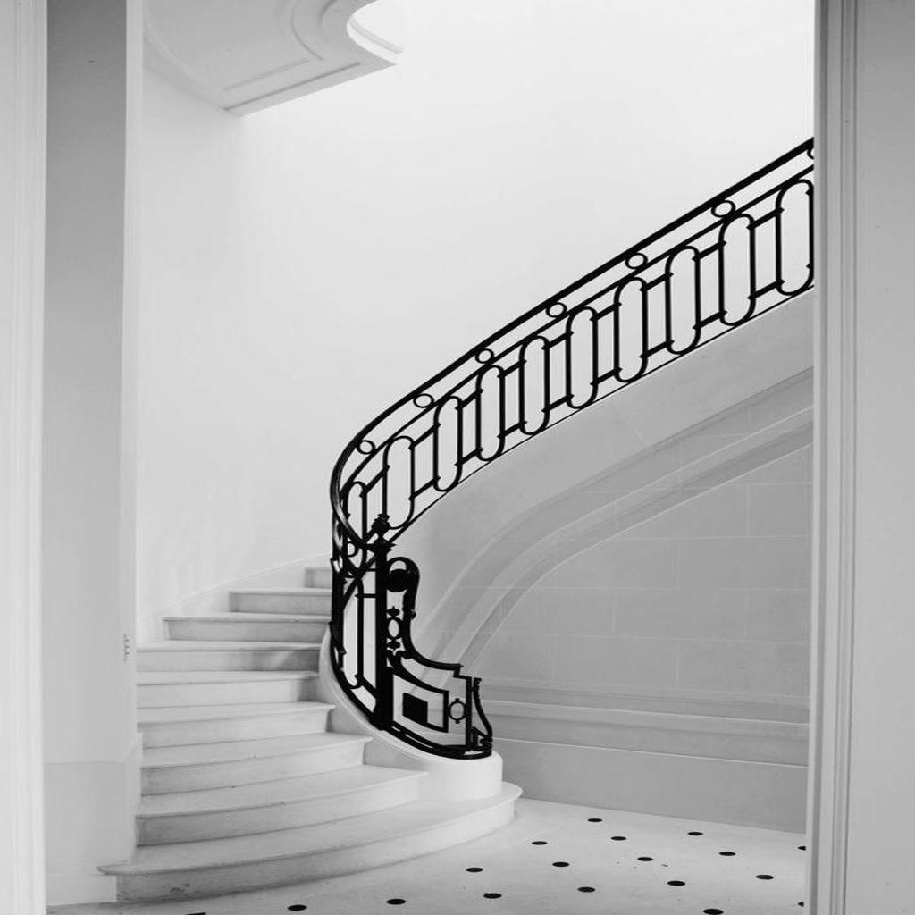 Каменные лестницы под ключ L-1009