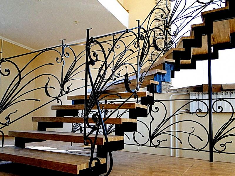 Кованая каркасная лестница N 3-4050