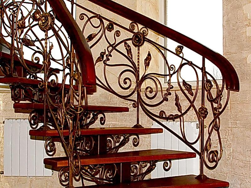 Кованая каркасная лестница N 3-4051