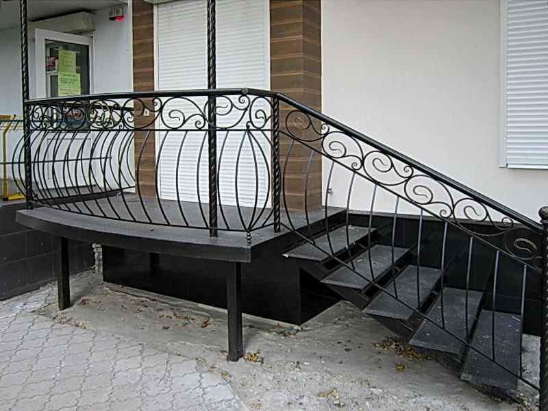 Кованая каркасная лестница N 3-4052