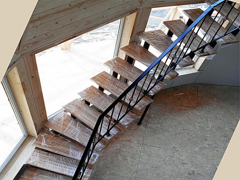 Кованая каркасная лестница N 3-4053