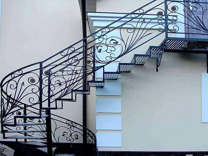 Кованая каркасная лестница N 3-4055