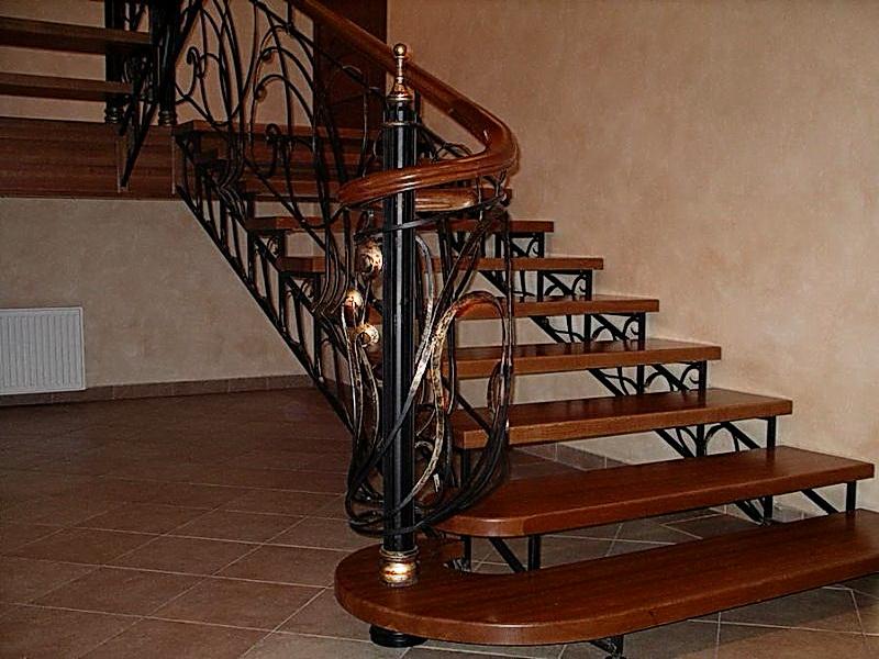 Кованая каркасная лестница N 3-4056