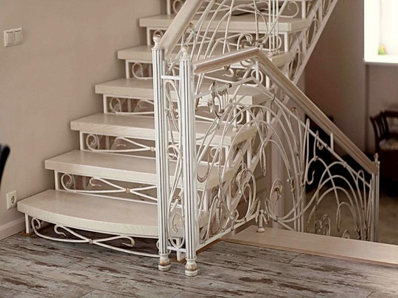 Кованая каркасная лестница N 3-4057