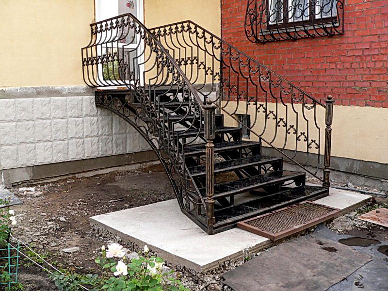 Кованая каркасная лестница N 3-4062