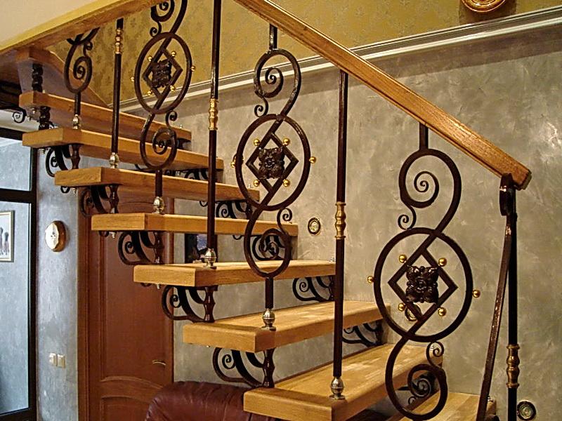 Кованая каркасная лестница N 3-4064