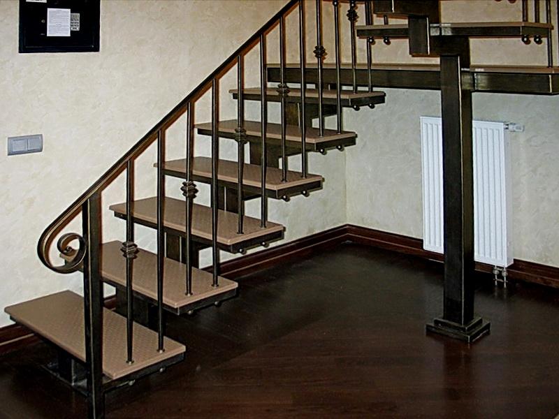 Кованая каркасная лестница N 3-4067
