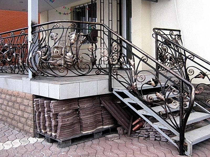 Кованая каркасная лестница N 3-4071