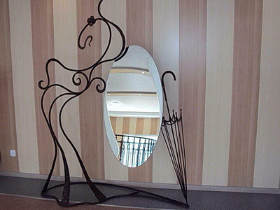 Кованое зеркало N 19041