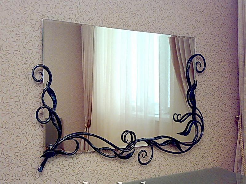 Кованое зеркало N 19070