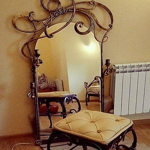 Кованое зеркало N 19074