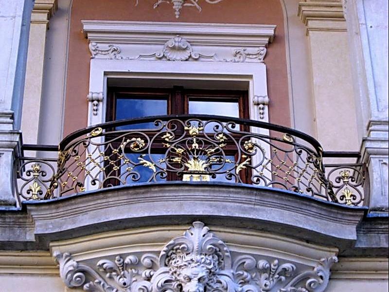 Кованые балконные ограждения N 4003