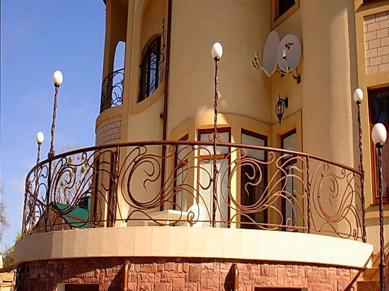 Кованые балконные ограждения N 4008