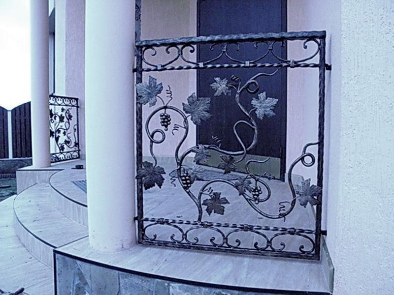 Кованые балконные ограждения N 4031