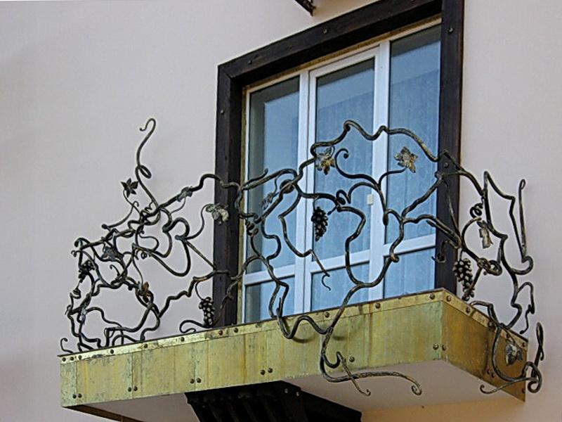 Кованые балконные ограждения N 4032