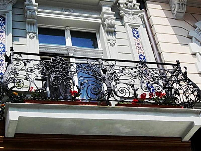 Кованые балконные ограждения N 4036