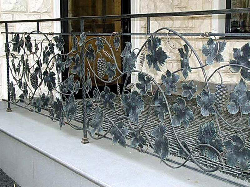 Кованые балконные ограждения N 4041