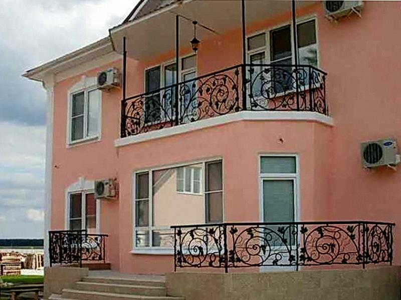 Кованые балконные ограждения N 4046