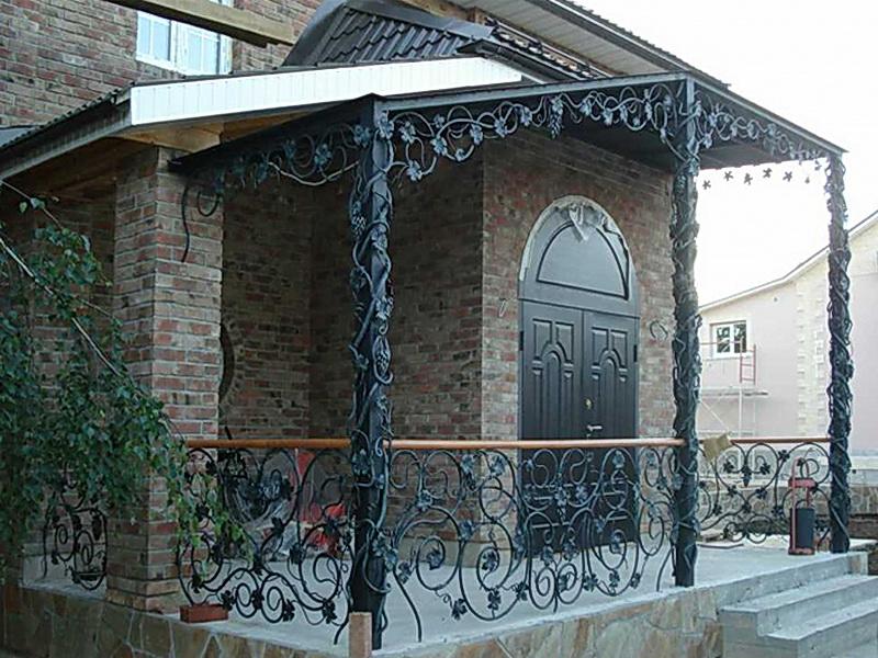Кованые балконные ограждения N 4048