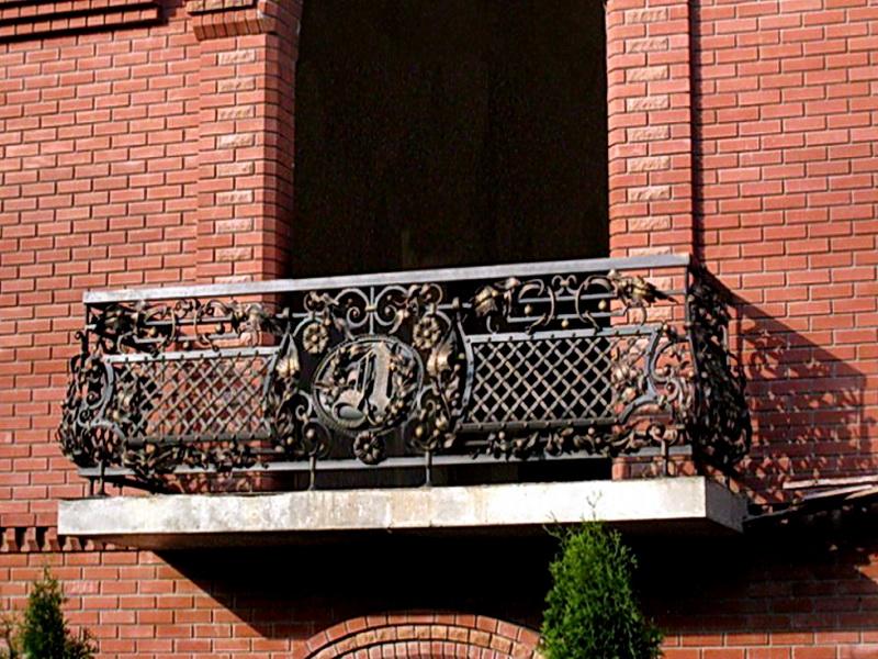 Кованые балконные ограждения N 4067