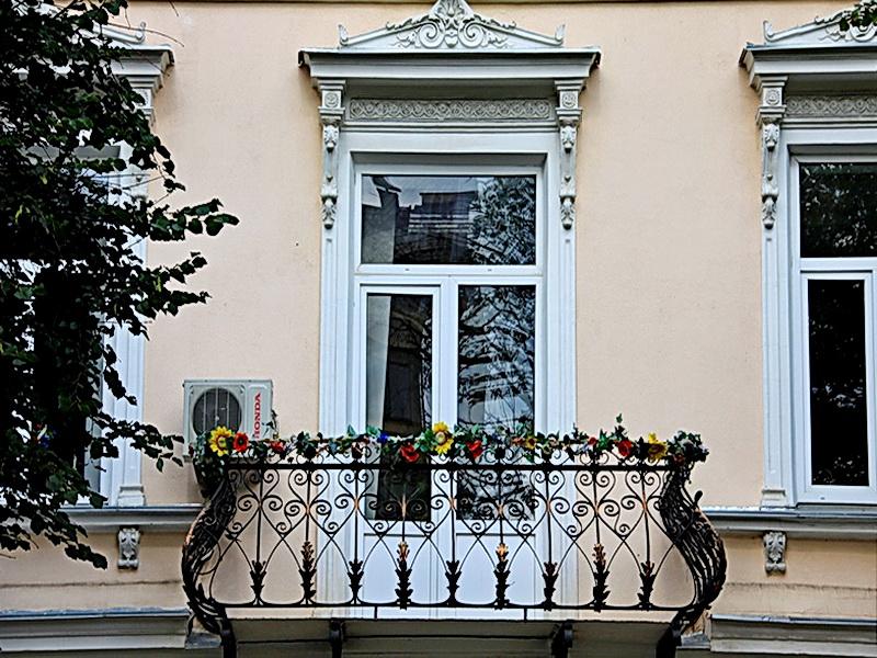 Кованые балконные ограждения N 4090