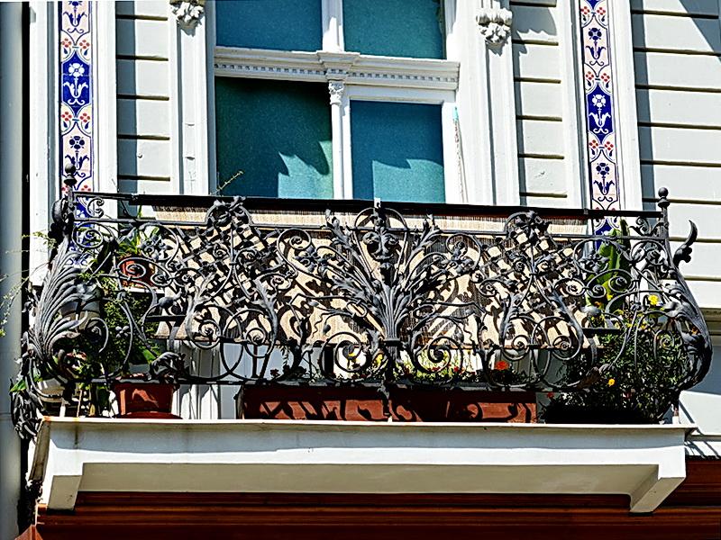 Кованые балконные ограждения N 4098